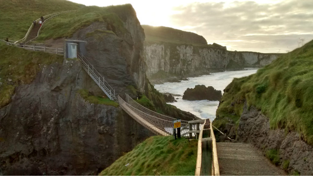 Ards Taxi Tours - Carrick a rede Ropebridge